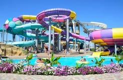 Yevpatoria, Κριμαία, 06 Ιουλίου, 2016 Δημοκρατία ` σε Evpatoria, ο μεγαλύτερος μπανανών Aquapark ` στην Κριμαία Στοκ Φωτογραφία