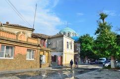Yevpatoria, Crimea, Lipiec, 04, 2016 Ludzie chodzi na Tuchina ulicie w Yevpatoria w lecie Obrazy Stock