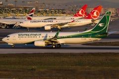 Yi-AS Iraqi Airways, Boeing 737-81Z stock afbeeldingen