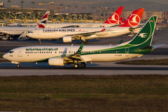 YI-ASH Iraqi Airways, Boeing 737-81Z Images stock