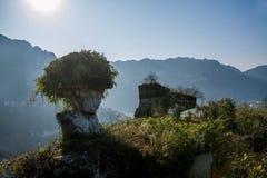 Yiling, Hubei Drie Kloven van de Yangtze-Rivier Dengying Gap in de schaduw van steen royalty-vrije stock foto