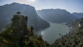 Yiling, Hubei Three Gorges del fiume Chang Jiang Dengying Gap nel piccolo padiglione Fotografia Stock Libera da Diritti