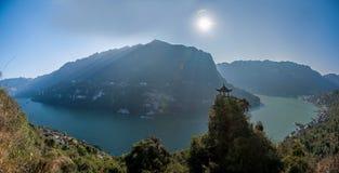 Yiling, Hubei Three Gorges del fiume Chang Jiang Dengying Gap nel piccolo padiglione Immagine Stock Libera da Diritti