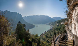 Yiling, Hubei Three Gorges del fiume Chang Jiang Dengying Gap nel piccolo padiglione Fotografia Stock