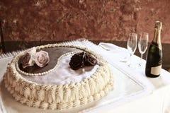 Yin και γαμήλιο κέικ Yang στοκ εικόνες
