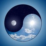 Yin & Yang - Dag & Nacht Stock Afbeeldingen