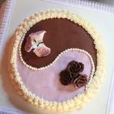 Yin i Yang ślubny tort Obrazy Stock
