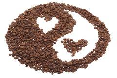 Yin y Yang del café con los corazones. imagen de archivo libre de regalías