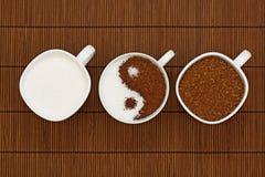 yin yang кофе стоковое изображение rf