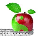 Yin Yang-Collage vom Apfel Stockfotografie