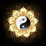 Yin yang gouden lotusbloem Royalty-vrije Stock Afbeeldingen