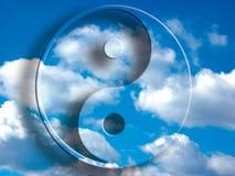 Yin yang nel cielo illustrazione vettoriale