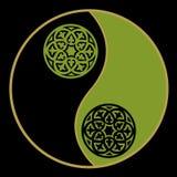 Yin-yang no verde ilustração stock