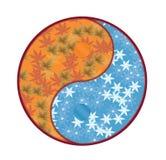 Yin Yang Symbol con caída e invierno Foto de archivo libre de regalías
