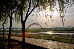 Yingzhou-Brücke in Luoyang Stockfotos