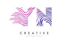 YN Gestreepte de Lijnenbrief Logo Design van Y N met Magenta Kleuren Royalty-vrije Stock Afbeelding