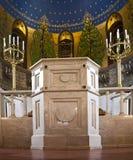 Ynagogue in - mellan bönerna var tom färgrikt och högtidligt Arkivfoton