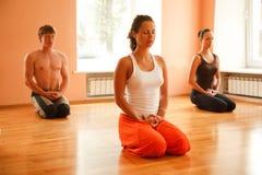 Yogaövning Fotografering för Bildbyråer