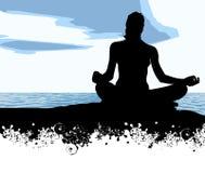 Yoga à la mer Photos stock