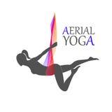 Yoga aérien pour des femmes Photos stock