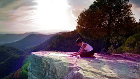 Yoga afuera almacen de video