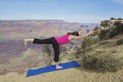 Yoga al grande canyon Fotografie Stock Libere da Diritti