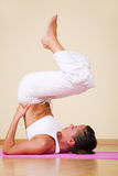 Yoga - Ardha Sarvangasana Royalty-vrije Stock Afbeeldingen