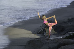 Yoga at the Beach Royalty Free Stock Images