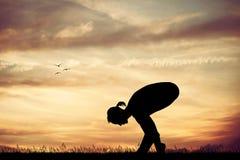 Yoga bij zonsondergang vector illustratie