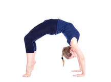 Yoga chakrasana Radhaltung Stockbilder