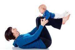 Yoga con l'infante Immagini Stock Libere da Diritti
