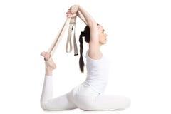 Yoga con los apoyos, rey Pigeon Pose Imagen de archivo libre de regalías