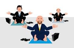Yoga d'affaires pour des travailleurs d'entreprise Se reposer d'hommes d'affaires Images stock