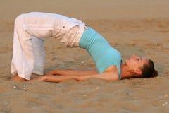Yoga dal tramonto Fotografie Stock