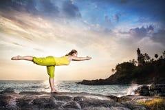 Yoga dans l'Inde photo libre de droits