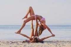 Yoga de Acro Imagen de archivo libre de regalías