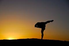 Yoga de coucher du soleil Images libres de droits