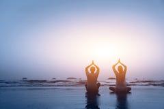 Yoga de la familia Fotografía de archivo