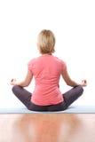Yoga de la mujer Imágenes de archivo libres de regalías