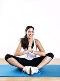 Yoga de la mujer joven Fotografía de archivo libre de regalías