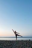 Yoga de la playa Imagen de archivo libre de regalías