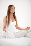 Yoga in de ochtend Royalty-vrije Stock Foto