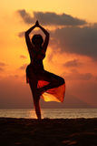 Yoga de plage Images stock