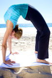 yoga de plage Photo libre de droits