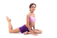 Yoga de pratique. Belle femme Images stock