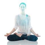 Yoga de pratique de femme en position de lotus Photographie stock