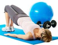 Yoga de pratique de sportive Images libres de droits