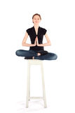 Yoga de pratique en matière de femme Photo stock