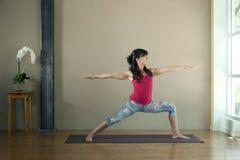 Yoga de Virabrdrasana 2 Photographie stock