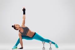 Yoga del bodybulder della donna Fotografia Stock Libera da Diritti